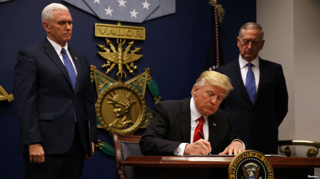 Trump signs memorandum on Dodd-Frank's orderly liquidation authority